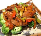 филе утки жареное с брокколи и перцем