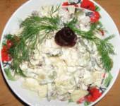 салат с копченой куриной грудкой и ананасами