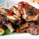 курица гриль с соусом чатни на гриле