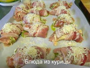 куриные рулетики с песто и сыром фета_посыпать сыром