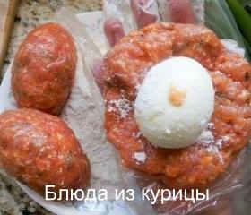 рулетики из куриного фарша с яйцом_сформировать лепешку