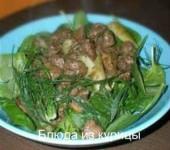 салат из куриной печени с беконом